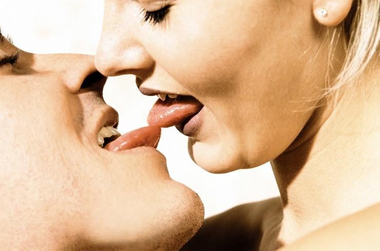 porno-foto-oralnogo-seksu-laski-dami-sosut-drochat
